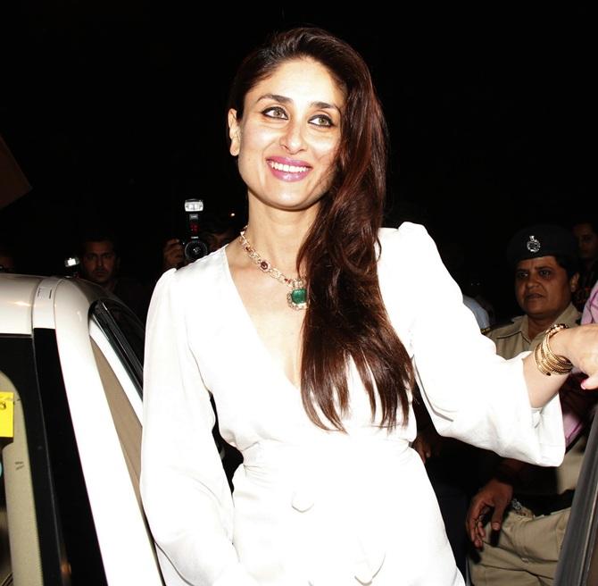 Current Bollywood News & Movies - Indian Movie Reviews, Hindi Music & Gossip - PIX: Kareena, Karisma attend Christmas mass