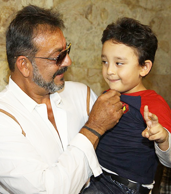 Current Bollywood News & Movies - Indian Movie Reviews, Hindi Music & Gossip - PIX: Sanjay Dutt watches PK with his family