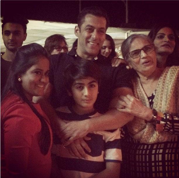 Pix Salman Khan Celebrates Birthday With Family Friends Rediff