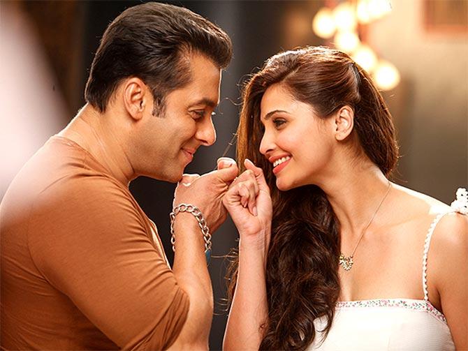 Salman Khan and Daisy Shah in Jai Ho