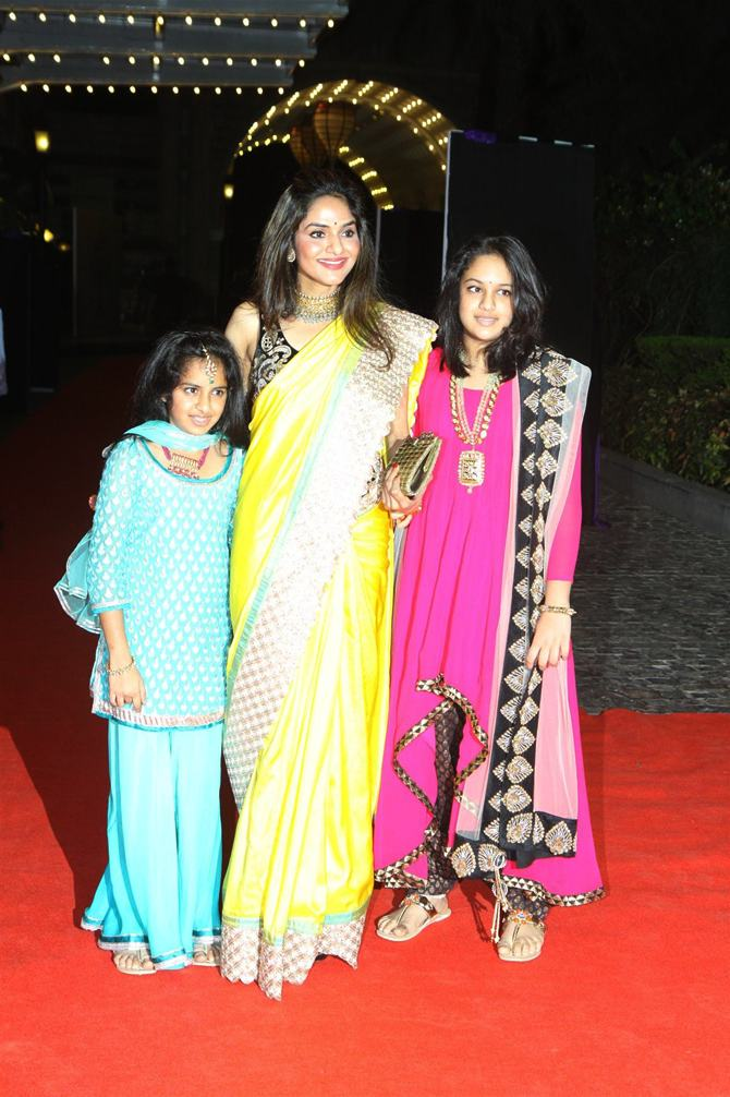 Madhoo Shah with daughters