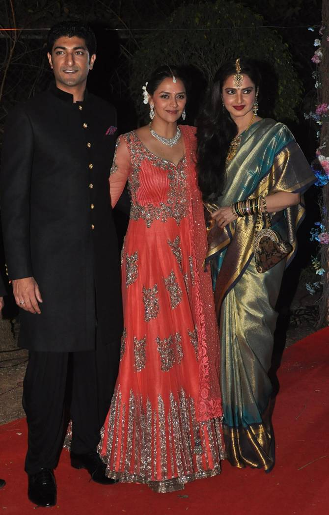 Pix Rekha Bachchans Shah Rukh At Ahana Deols Wedding Reception