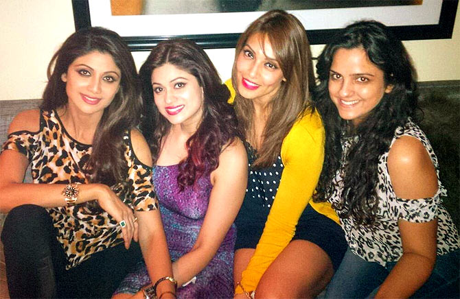 Shilpa and Shamita Shetty with Bipasha Basu and a friend.