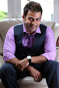 Prithviraj in London Bridge