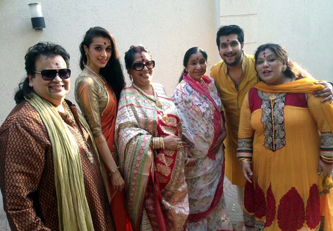 Asha Bhosle with the Lahiris