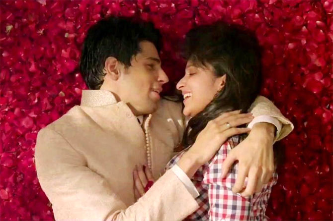 Siddharth Malhotra and Parineeti Chopra in Hasee Toh Phasee