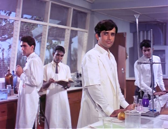 Shashi Kapoor in Abhinetri