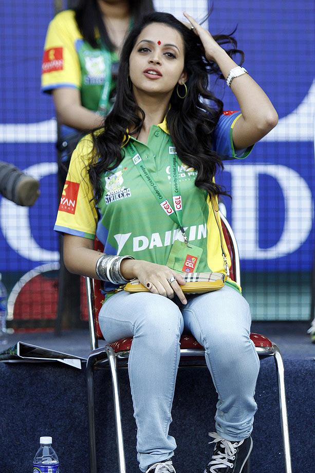 PIX: Huma Qureshi, Sridevi at CCL cricket matches - Rediff.com Movies