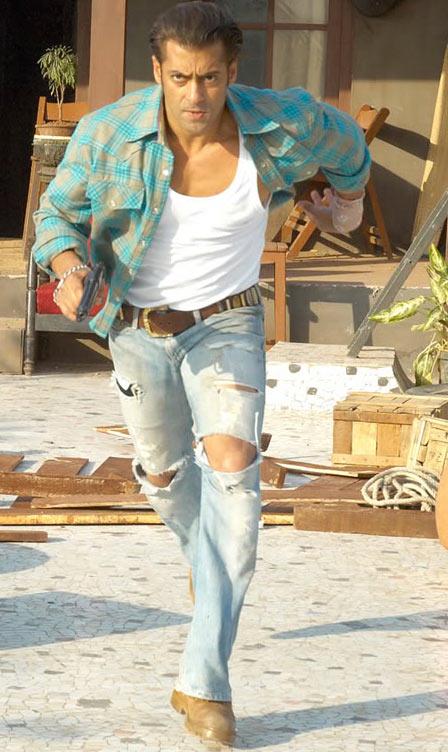 Salman Khan and Ayesha Takia in Wanted