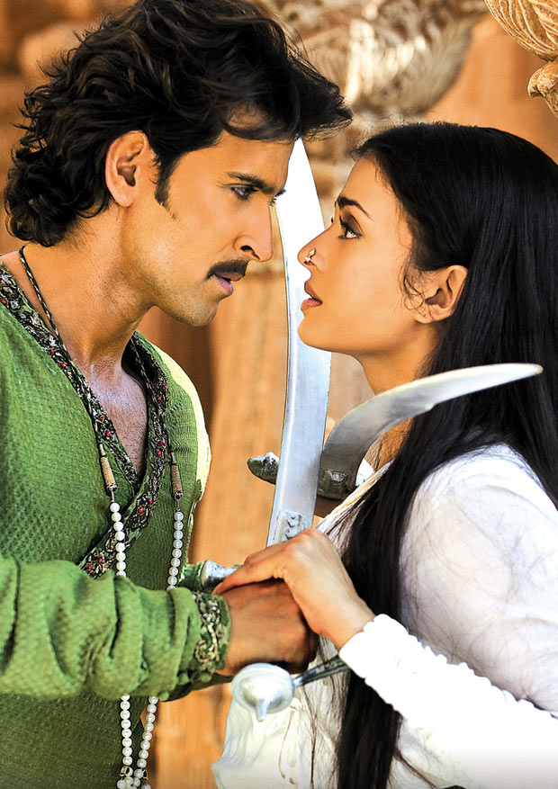 Hrithik Roshan and Aishwarya Rai Bachchan in Jodhaa Akbar