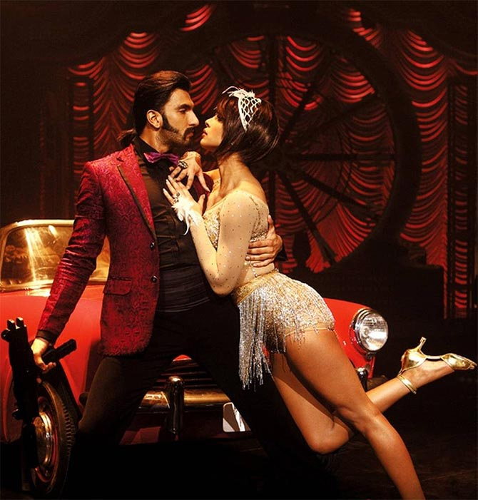 Ranveer Singh and Priyanka Chopra in Gunday
