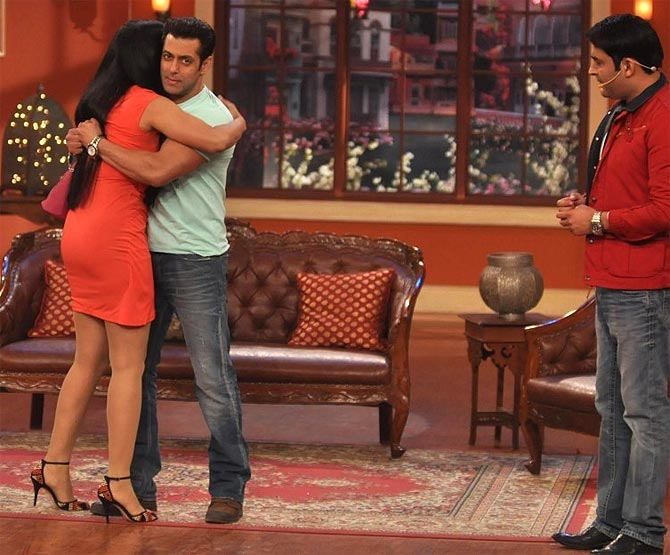 Shweta Tiwari with Salman Khan and Kapil Sharma on Comedy Nights With Kapil
