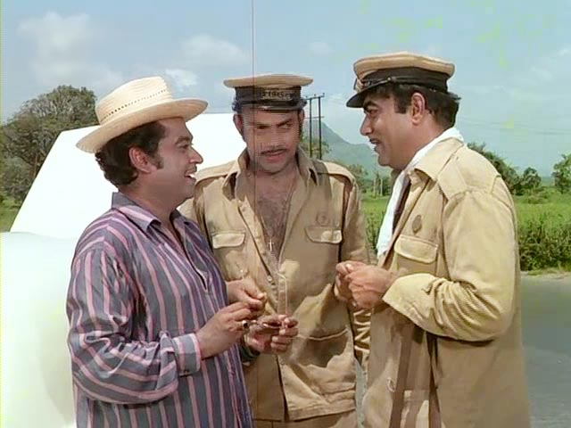 Kishore Kumar, Anwar Ali and Mehmood in Bombay To Goa