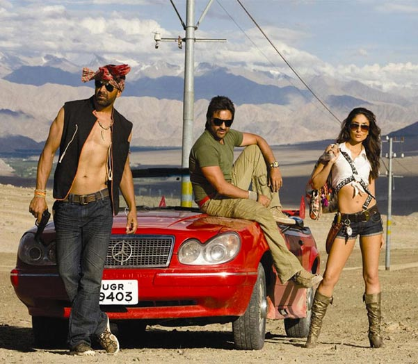 Akshay Kumar, Saif Ali Khan and Kareena Kapoor in Tashan