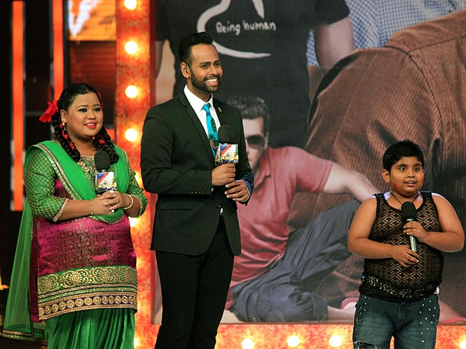 Akshat Singh with Bharti SIngh and VJ Andy on India's Got Talent