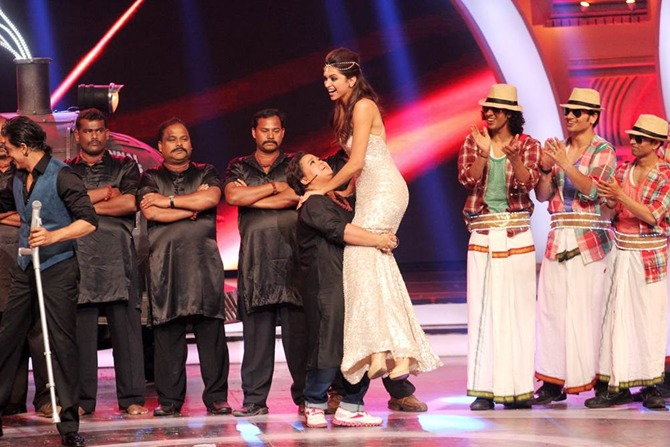 Bharti SIngh and Deepika Padukone