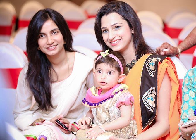Bhairavi Raichura, Pooja Kanwal with her daughter