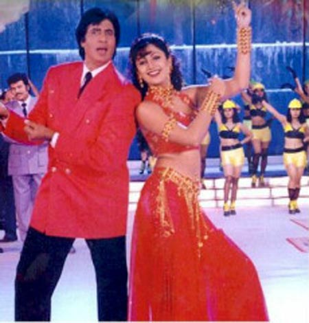 Shilpa Shetty with Amitabh Bachchan in Lal Badshah