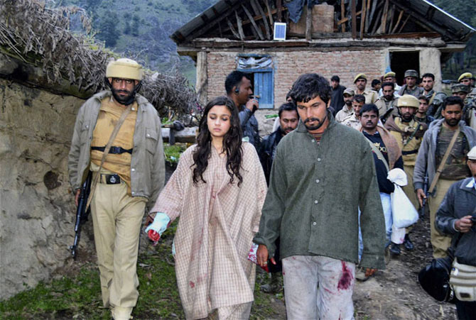 Alia Bhatt and Randeep Hooda in Highway
