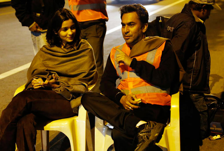 Alia Bhatt and designer Aki Narula on the sets of Highway.