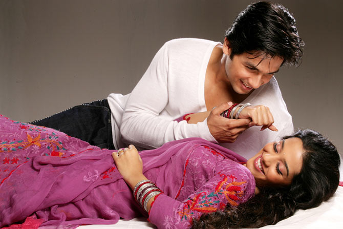 Shahid Kapoor and Amita Rao in Vivah