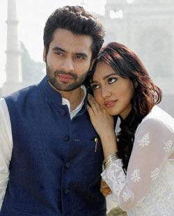 Jackky Bhagnani and Neha Sharma in Youngistaan