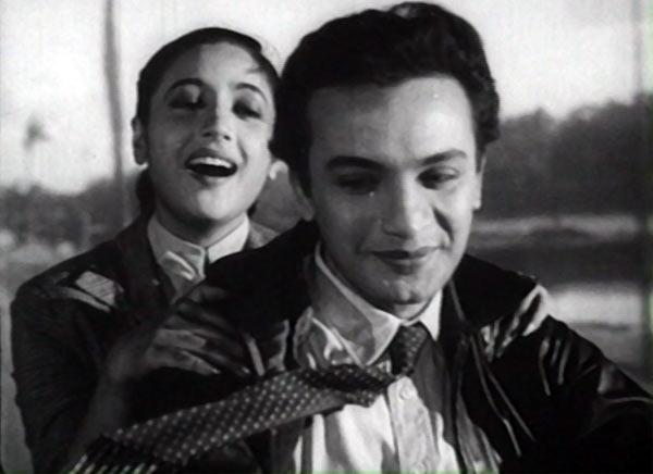 Suchitra Sen and Uttam Kumar in Saptapadi