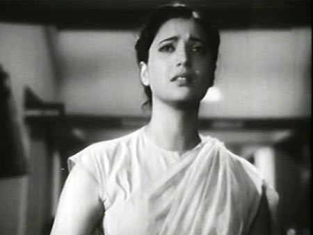 Suchitra Sen in Deep Jwele Jai