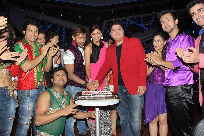Nach Baliye 6 contestant along with judges Shilpa Shetty Kundra, Sajid Khan, Terence Lewis