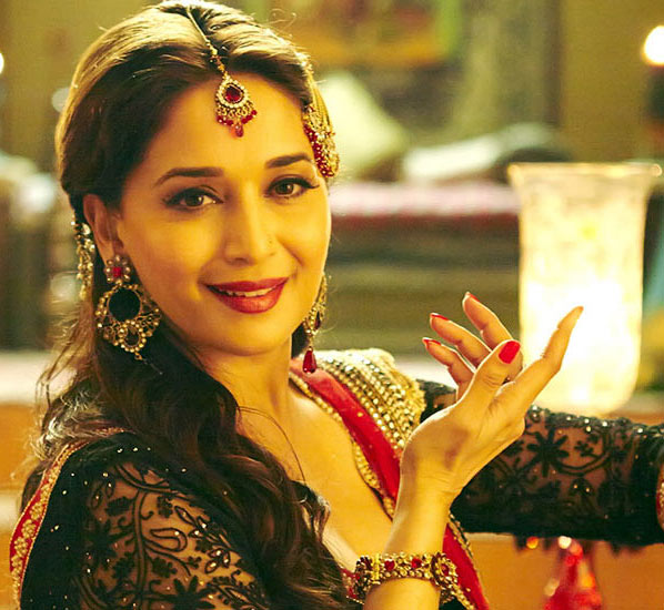 Review: Madhuri Dixit dazzles with Dedh Ishqiya - Rediff