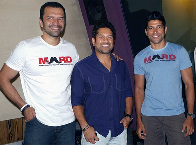 Farhan Akhtar with Atul Kasbekar and Sachin Tendulkar