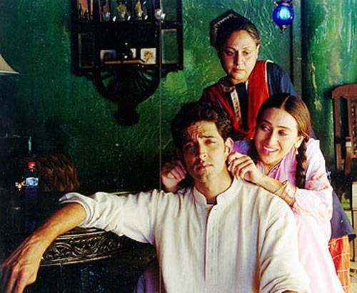 Hrithik Roshan with Jaya Bachchan and Karisma Kapoor in Fiza