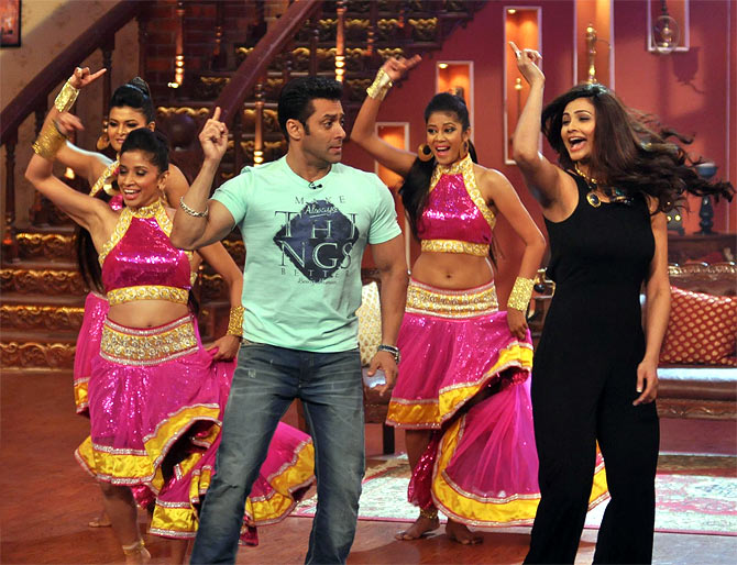 Salman Khan an Daisy Shah on Comedy Nights with Kapil