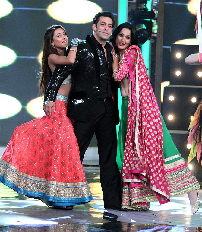 Pratyusha Banerjee, Salman Khan and Kamya Punjabi on Bigg Boss 7