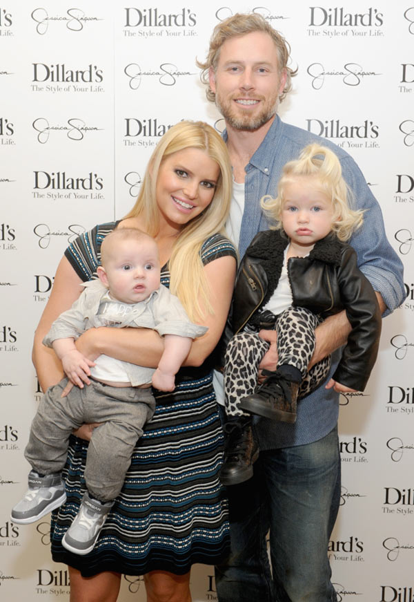 Jessica Simpson and Eric Johnson with their kids