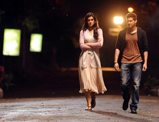 Kriti Sanon and Mahesh Babu in 1 Nenokkadine