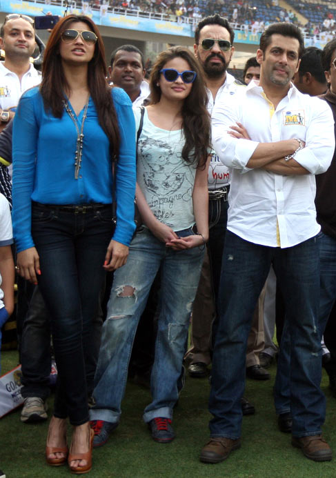 Daisy Shah, Sneha Ullal, Shera, Salman Khan