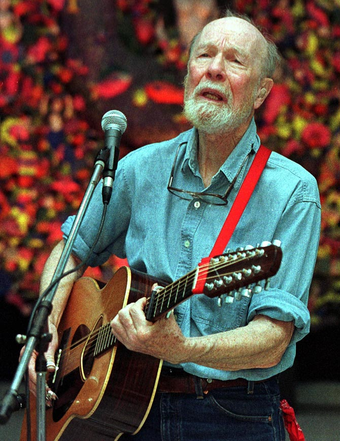 Pete Seeger sings the popular  Cuban song La Guantanamera with verses dedicated to Cuban hero Jose Mati