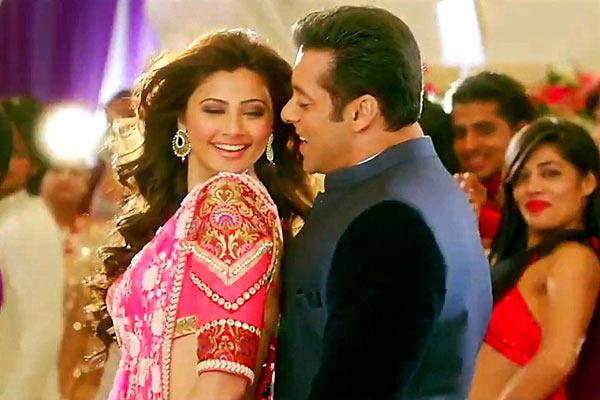 Daisy Shah and Salman Khan in Jai Ho