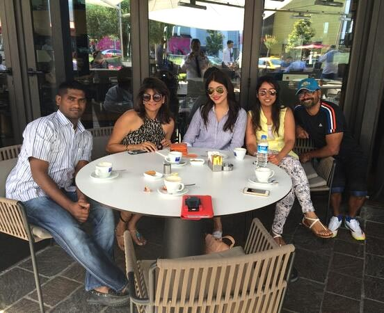 Anushka Sharma with her team