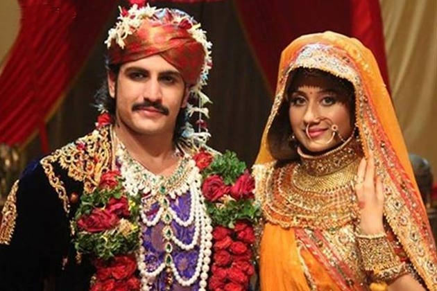 Rajat Tokas and Paridhi Sharma in Jodha Akbar