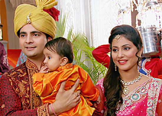 Karan Mehra and Hina Khan in Yeh Rishta Kya Kehlata Hai