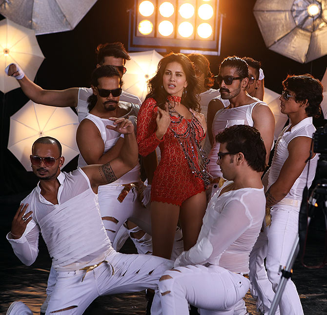 Sunny Leone in the song Pink Lips from Hate Story 2