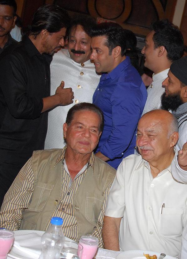 Shah Rukh, Baba Siddique, Salman Khan, Salim Khan and Sushil Kumar Shinde