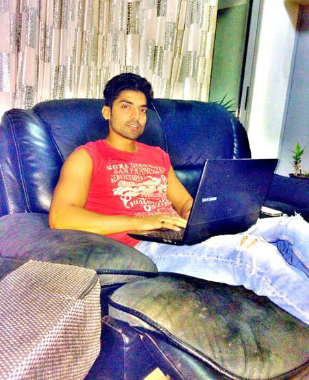 Gurmeet Chaudhary at home