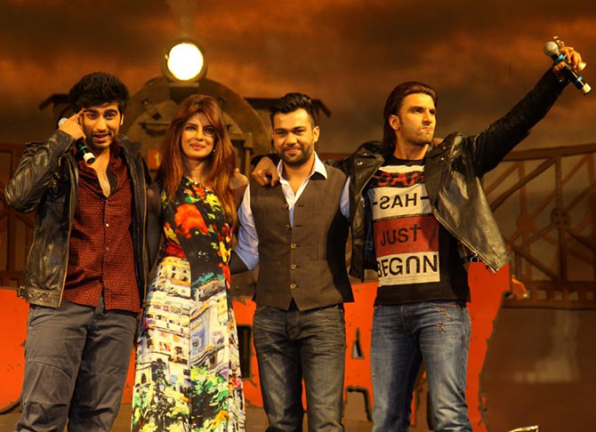 Ali Abbas Zafar with the cast of Gunday Arjun Kapoor, Priyanka Chopra, Ranveer Singh