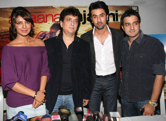Siddharth annad along with the cast of Anjaana Anjaani Priyanka Chopra, Ranbir Kapoor and producer Sajid Nadiawala