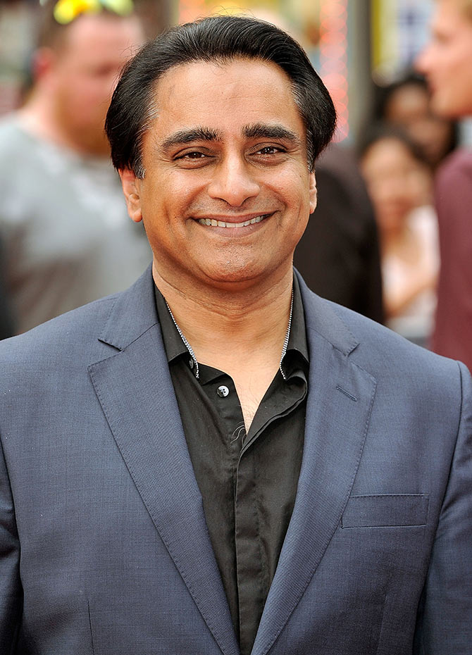 Current Bollywood News & Movies - Indian Movie Reviews, Hindi Music & Gossip - Sanjeev Bhaskar to star in Doctor Who finale