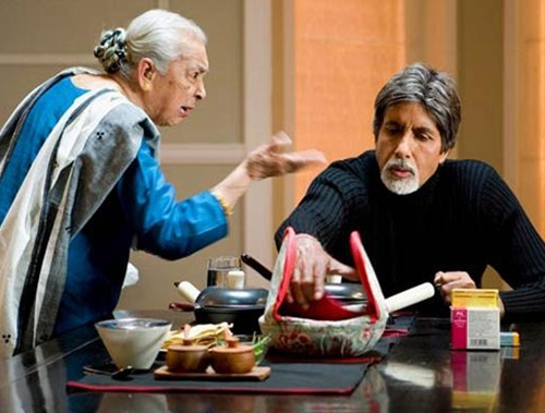 Zohra Sehgal with Amitabh Bachchan in Cheeni Kum
