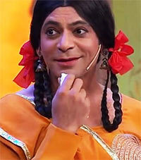 Sunil Grover as Gutthi